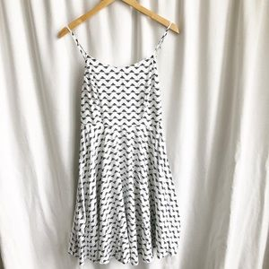 Old Navy white with black patterned a line dress